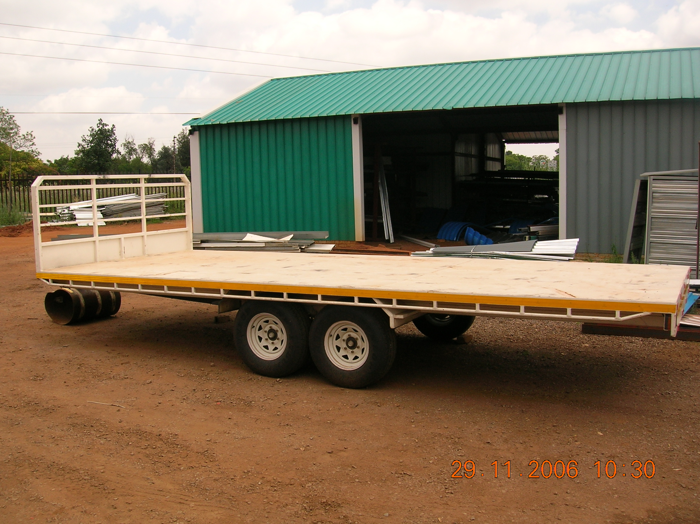 TRAILERS 289